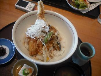 09.06アナゴの天丼.jpg