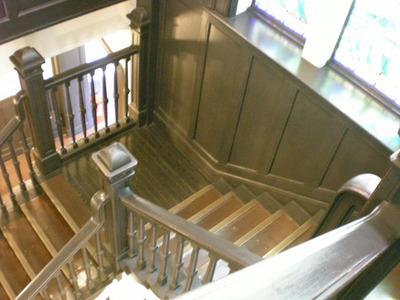 コピー 〜 09.06 ステンドグラス横の階段.jpg